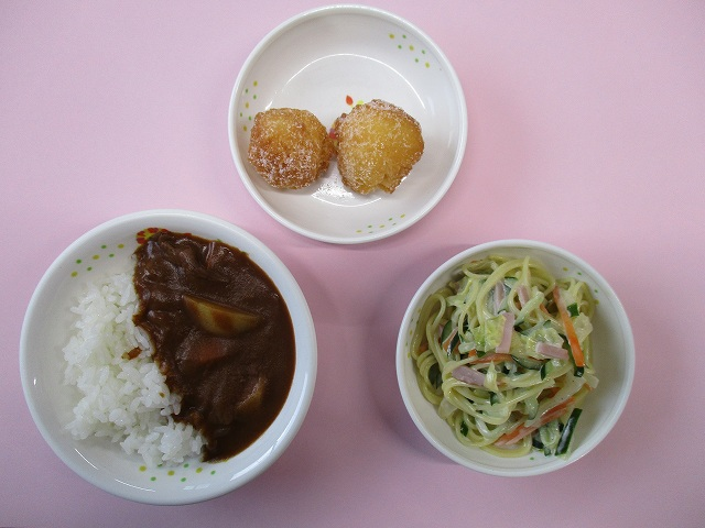 摩耶幼稚園の給食